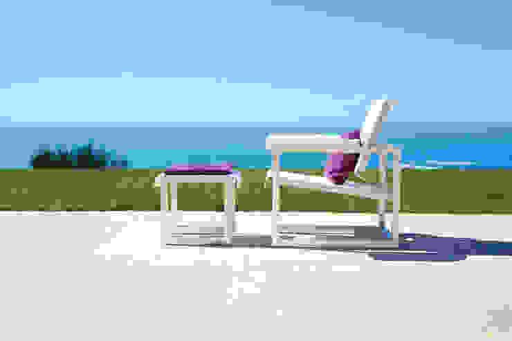 Easy Chair + footrest por Sachi - Premium Outdoor Furniture Moderno Alumínio/Zinco