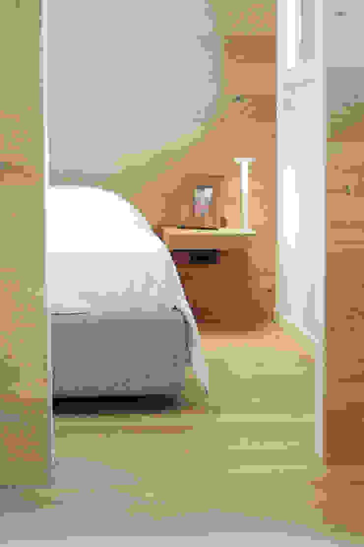 Progetti luigi bello architetto Modern style bedroom