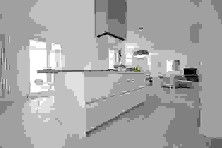 Progetti Modern Kitchen by luigi bello architetto Modern