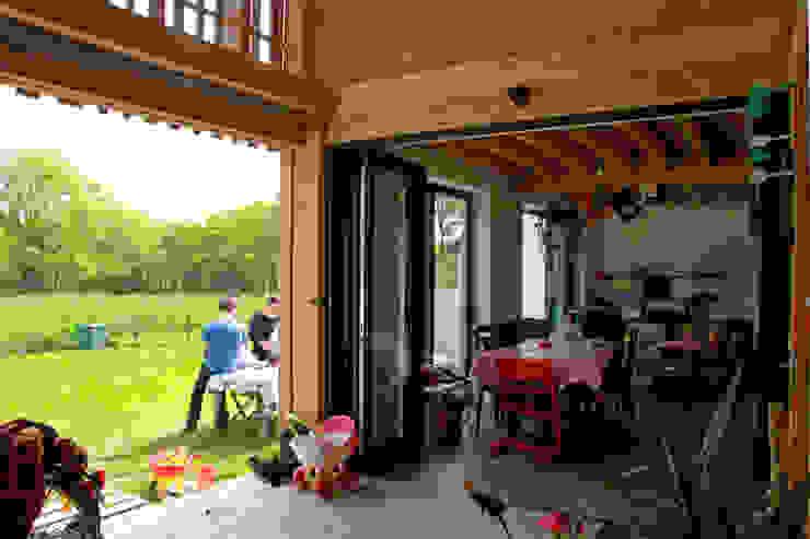 Mini/Maxi Jardin d'hiver rural par LAUS architectes Rural