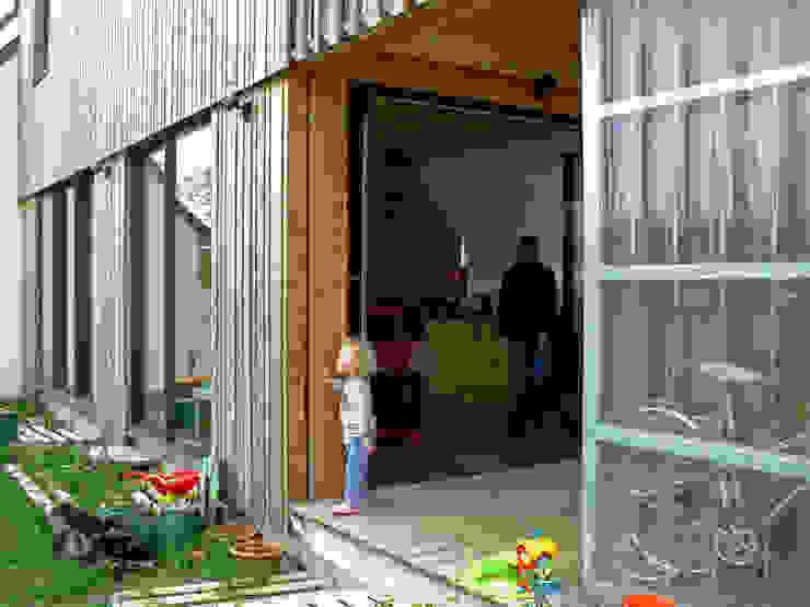 Mini/Maxi Balcon, Veranda & Terrasse ruraux par LAUS architectes Rural