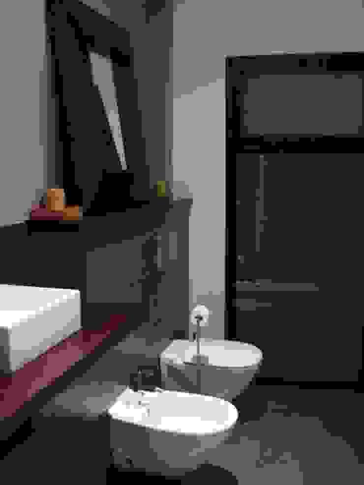 Vivienda Julio Galio, 13 Baños de estilo moderno de Soluziona Arquitectura Moderno