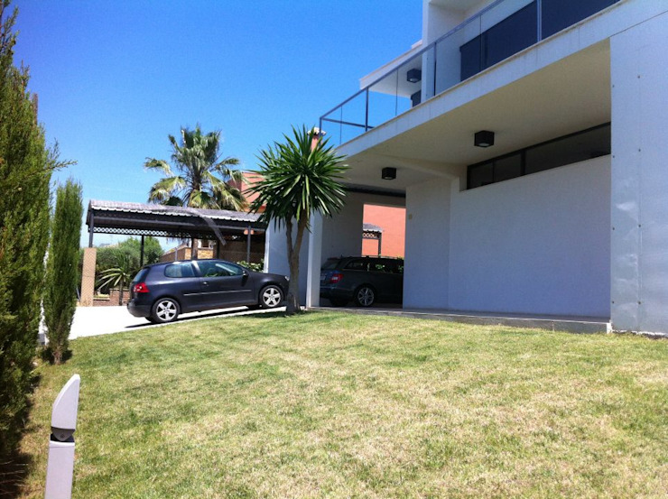 Casas de estilo  por Soluziona Arquitectura, Moderno