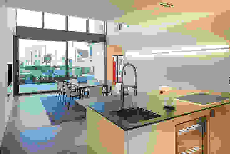 Кухня в стиле модерн от Lopez-Fotodesign Модерн