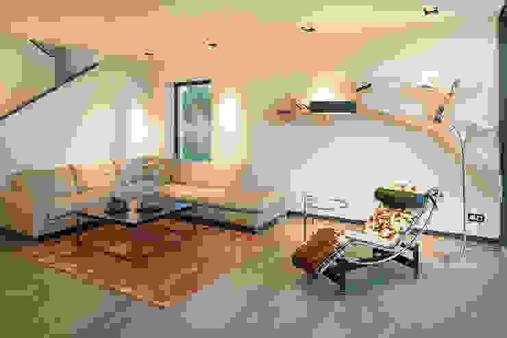 LUXHAUS Musterhaus Köln Moderne Wohnzimmer von Lopez-Fotodesign Modern