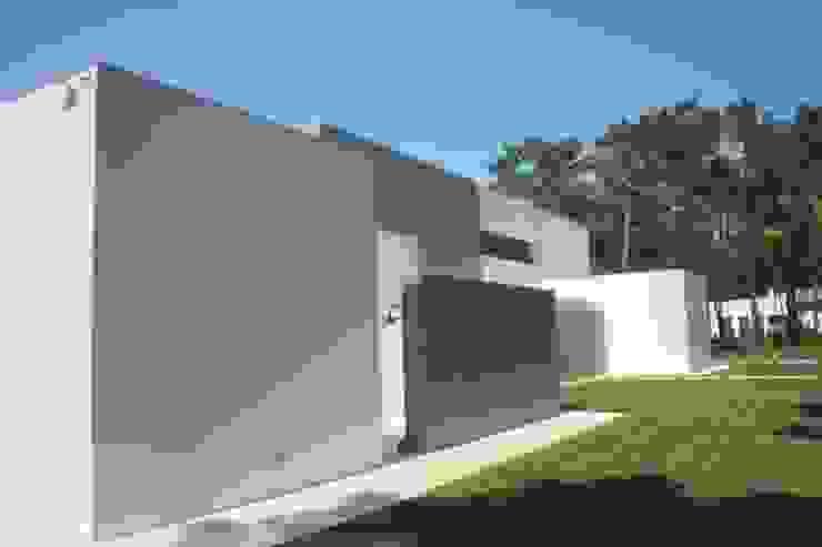 Oleh Miguel Ferreira Arquitectos Modern