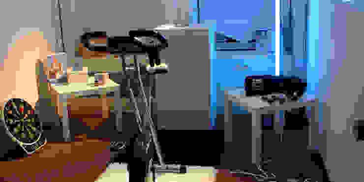 Moderner Fitnessraum von REGH'S Modern