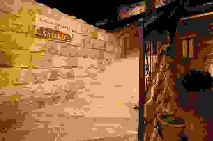 Kunduracı Mehmet evi Öncesi ve Sonrası Rustik Koridor, Hol & Merdivenler Kayakapi Premium Caves - Cappadocia Rustik