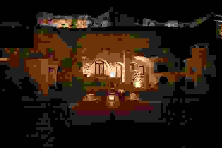 Kunduracı Mehmet evi Öncesi ve Sonrası Rustik Balkon, Veranda & Teras Kayakapi Premium Caves - Cappadocia Rustik