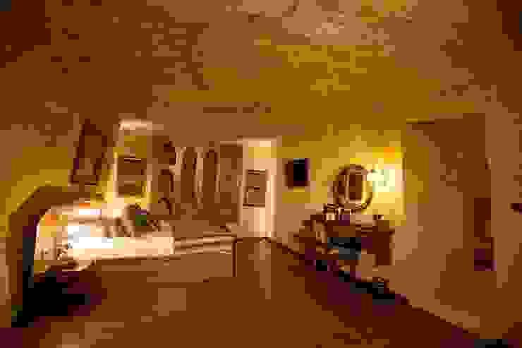 Muhittin Toker evi Öncesi ve Sonrası Rustik Yatak Odası Kayakapi Premium Caves - Cappadocia Rustik