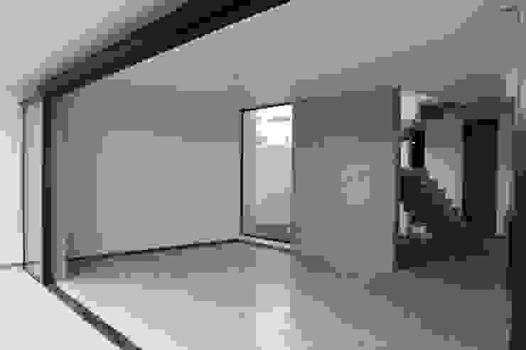 CASA VI Salones modernos de MORO TALLER DE ARQUITECTURA Moderno