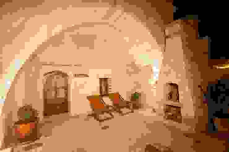 Rustic style balcony, veranda & terrace by Kayakapi Premium Caves - Cappadocia Rustic