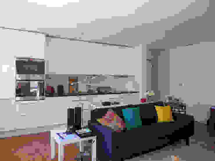 Apartamento Miguel Nabais Cozinhas modernas por Atelier Alvalade Moderno