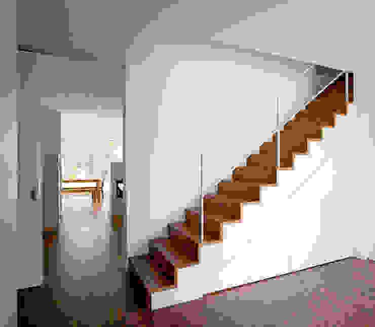 Nowoczesny korytarz, przedpokój i schody od Hofmann Keicher Ring Architekten Nowoczesny