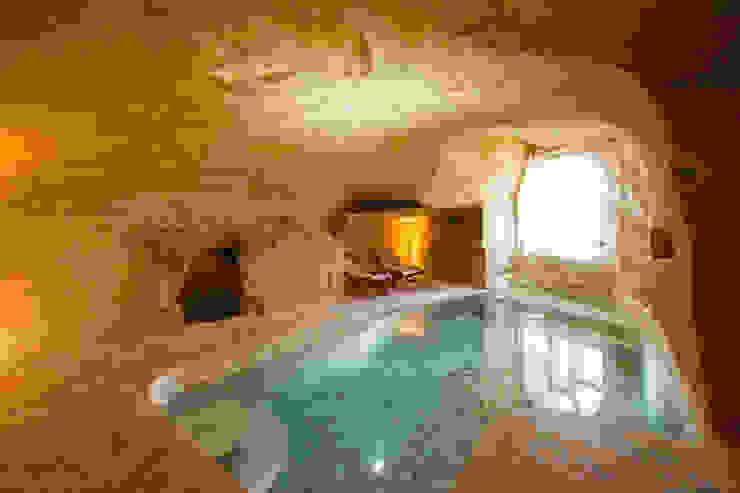 Rustic style pool by Kayakapi Premium Caves - Cappadocia Rustic