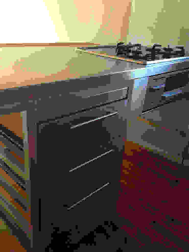 kinfolk design works Cocinas de estilo industrial