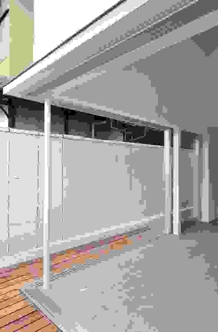 鳴滝の住居 モダンな 窓&ドア の carve.建築設計 モダン