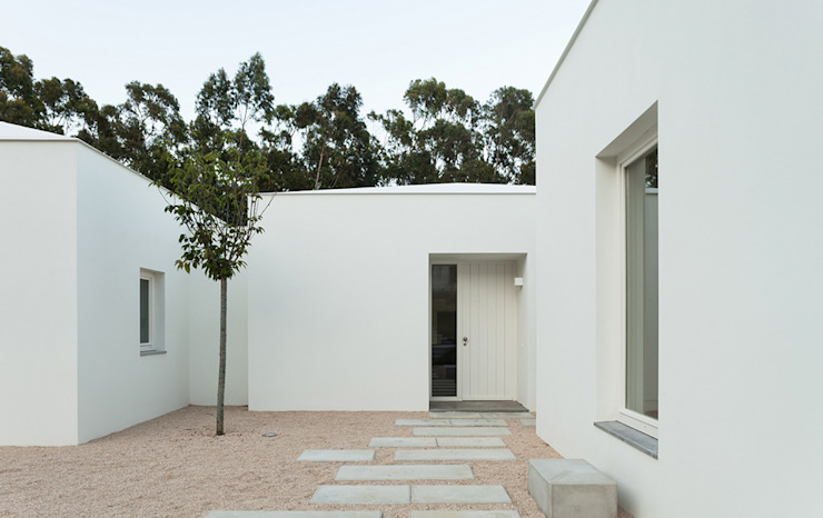 根據 Construir Habitar Pensar Arquitectos 古典風