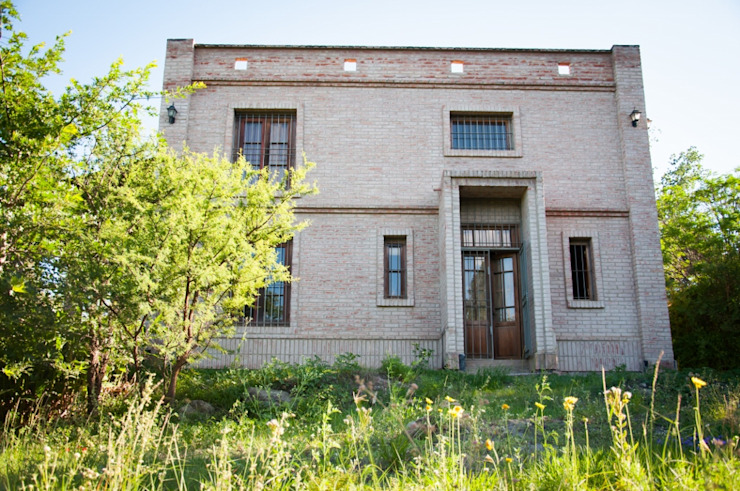 Vivienda en Mayu Sumaj: Casas de estilo  por Abitar arquitectura,Rústico Ladrillos