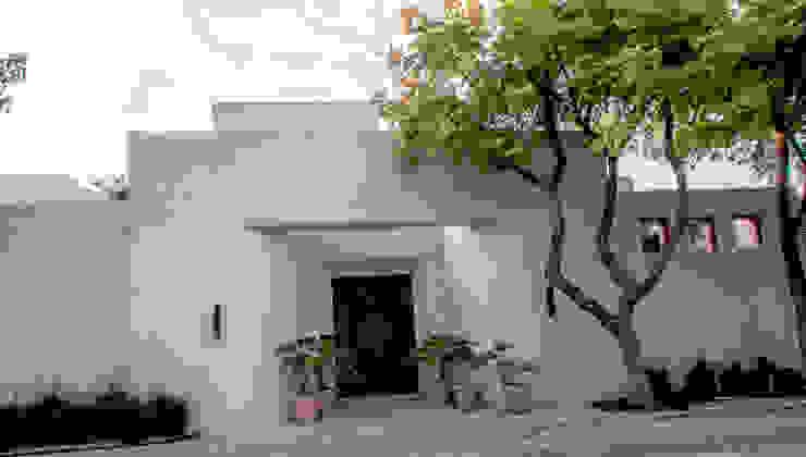 Fachada Principal CH Proyectos Casas eclécticas