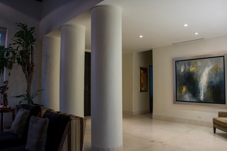 Foyer Pasillos, vestíbulos y escaleras eclécticos de CH Proyectos Ecléctico