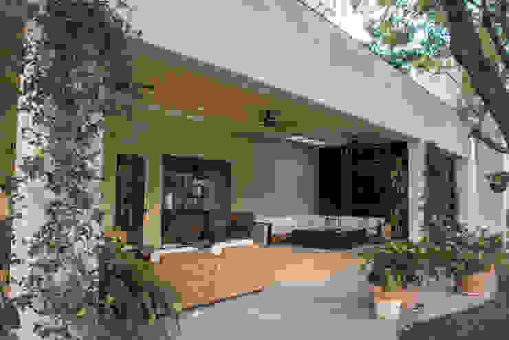 Terraza jardín Jardines eclécticos de CH Proyectos Ecléctico
