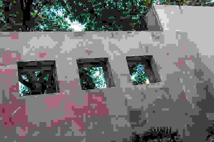 Vista interior de fachada principal Casas eclécticas de CH Proyectos Ecléctico