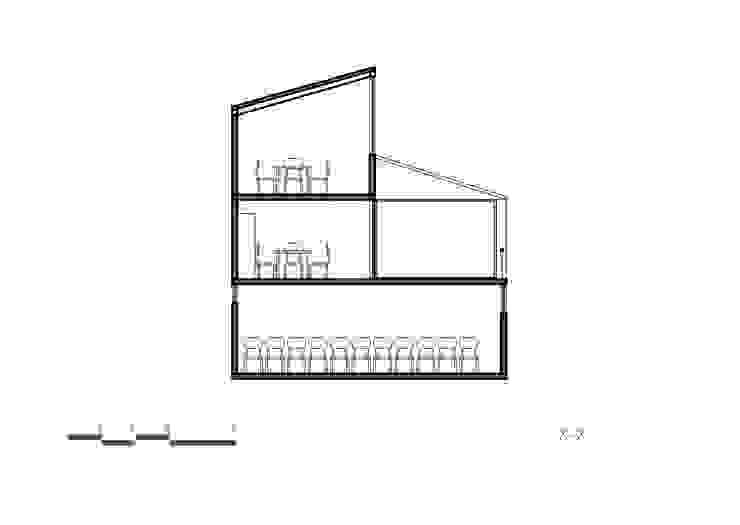 Corte X-X de Komoni Arquitectos Vidrio