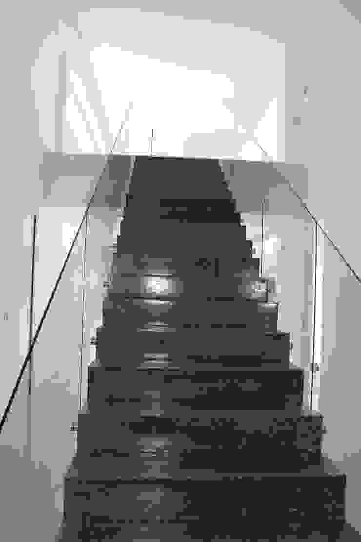 modern  oleh Miguel Ferreira Arquitectos, Modern