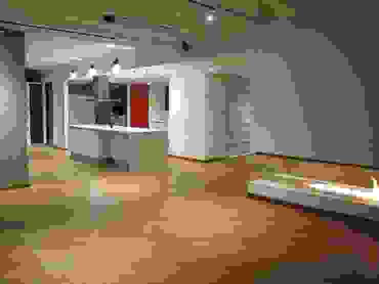 unouno estudio Salones de estilo moderno