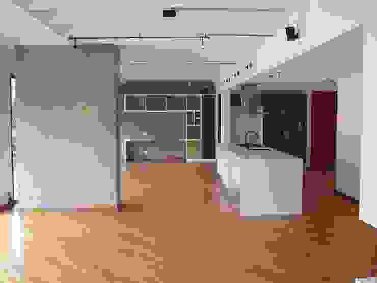 APTO MEJIA – MORA Salas modernas de unouno estudio Moderno