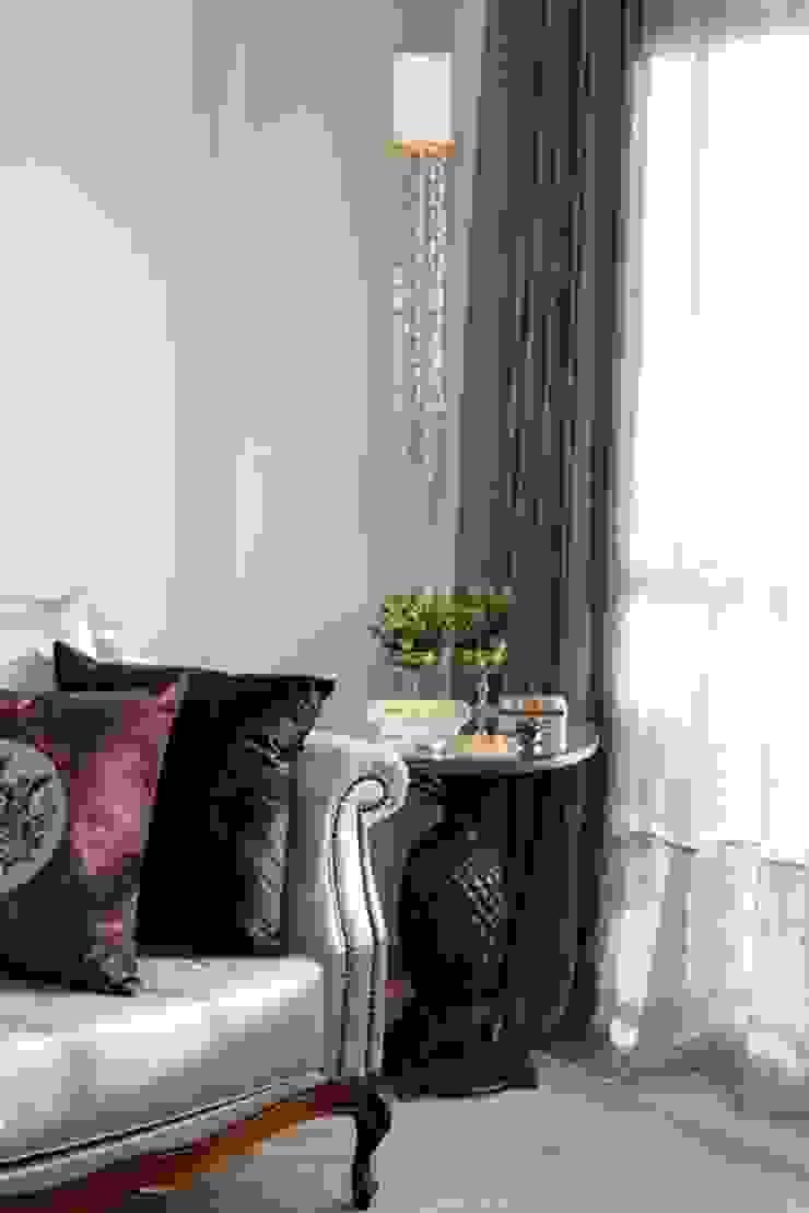 Sala de Estar - S|S Salas de estar clássicas por Arqhome -Arquitetura e Interiores Clássico
