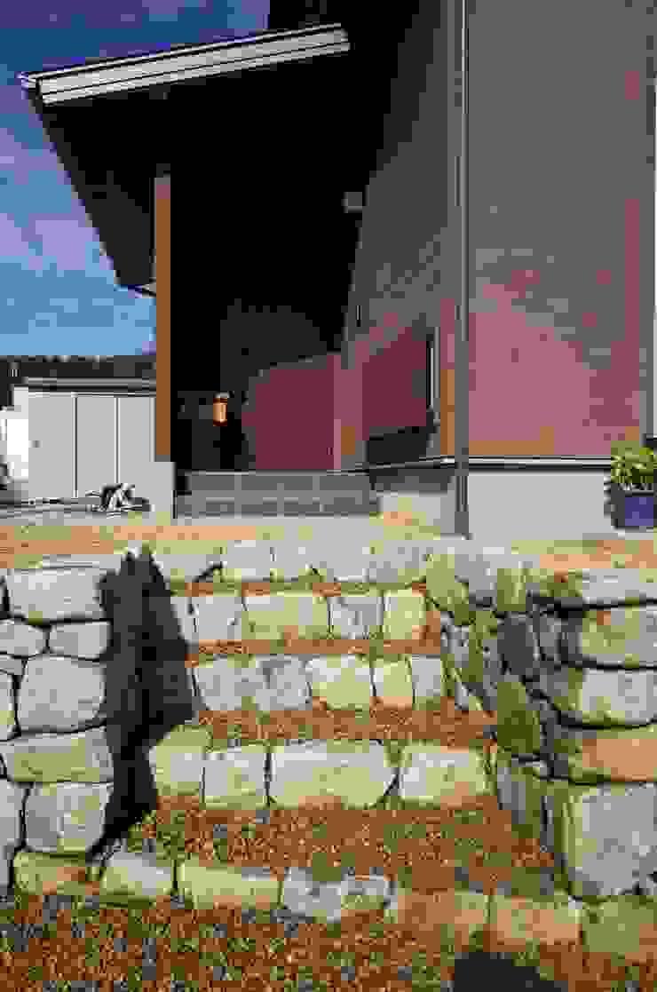 揖斐・南方の和良石石積み: 揖斐川庭石センターが手掛けたカントリーです。,カントリー