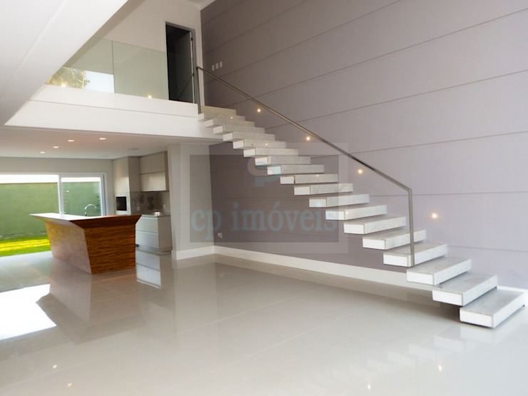 Minimalist corridor, hallway & stairs by Cipriani Arquitetura e Construção Minimalist
