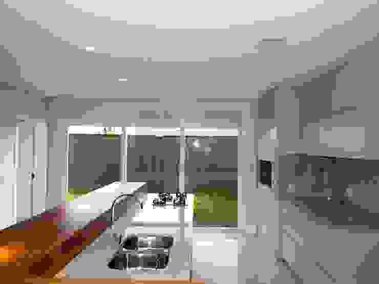 Casa J1 Cozinhas minimalistas por Cipriani Arquitetura e Construção Minimalista