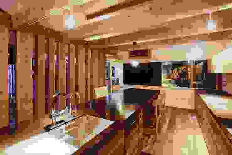 路地のある寺内町の家 モダンな キッチン の 一級建築士事務所 有限会社NEOGEO(ネオジオ) モダン