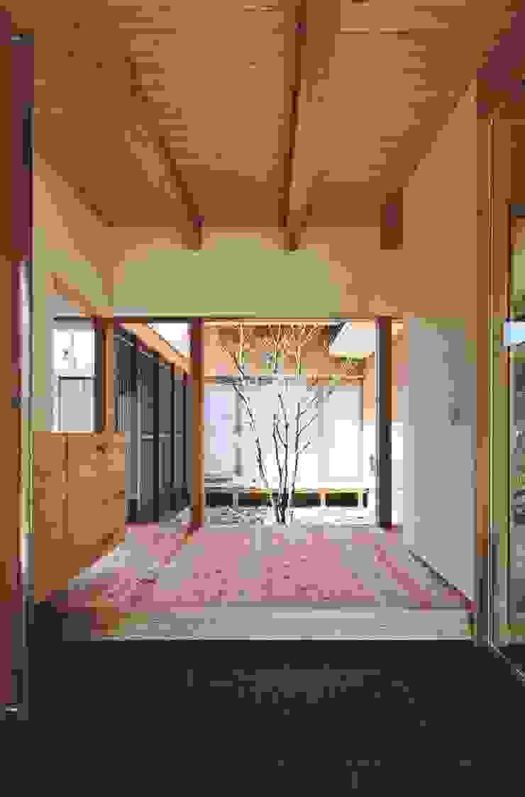 出石町の家 モダンな 壁&床 の 一級建築士事務所 有限会社NEOGEO(ネオジオ) モダン
