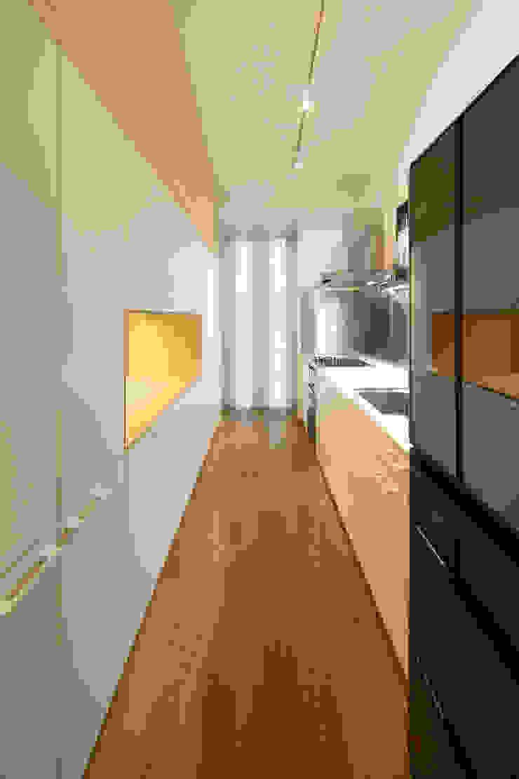 月の耀う家 モダンスタイルの 玄関&廊下&階段 の 港設計一級建築士事務所 モダン