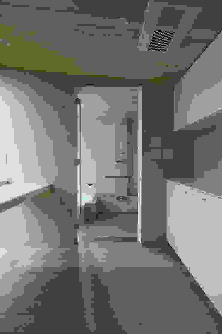 月の耀う家 モダンスタイルの お風呂 の 港設計一級建築士事務所 モダン