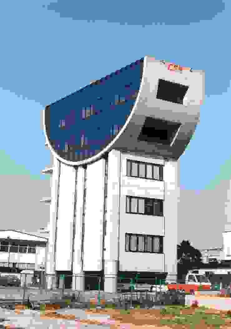 協進建設ビルファサード の nakajima モダン