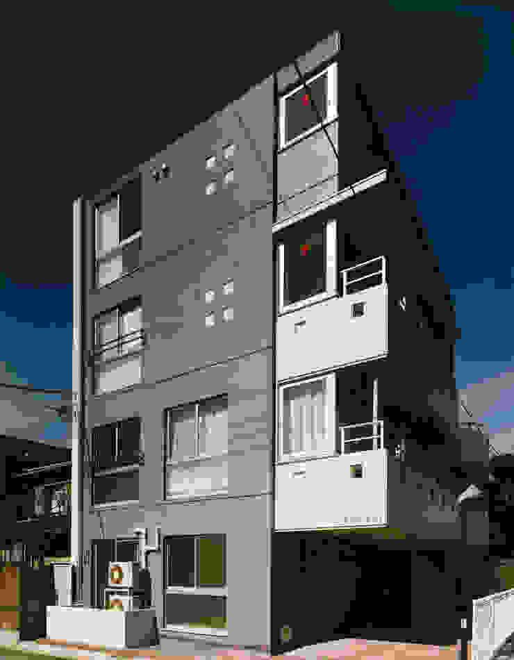 N邸+賃貸集合住宅・メインファサード オリジナルな 家 の プランニングシステム株式会社 オリジナル