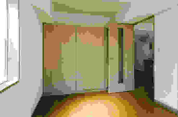 N邸+賃貸集合住宅 オリジナルスタイルの 寝室 の プランニングシステム株式会社 オリジナル テキスタイル アンバー/ゴールド