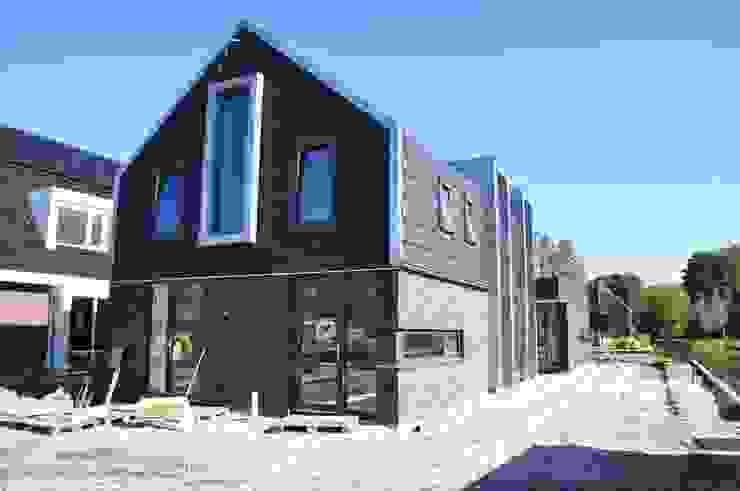 Houses by Nico Dekker Ontwerp & Bouwkunde, Modern Wood Wood effect