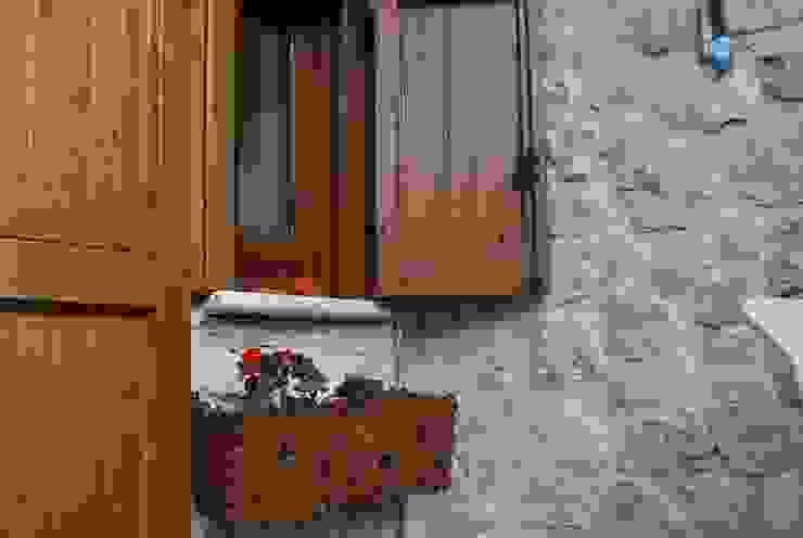 immobiliare sublacense Rustic style house Stone