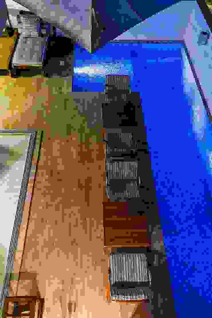 Ocean House 62 Piscinas modernas por Espezim Biazzetto Arquitetura Moderno
