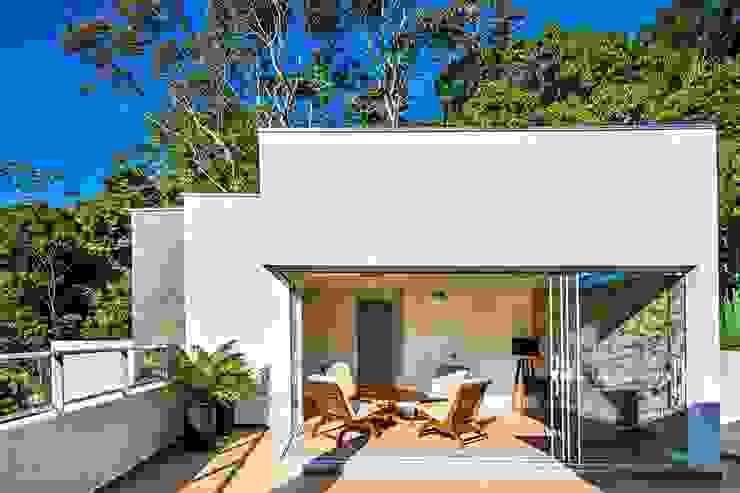 Ocean House 62 Varandas, alpendres e terraços modernos por Espezim Biazzetto Arquitetura Moderno