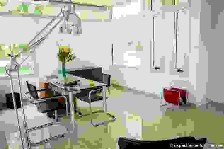 مكتب عمل أو دراسة تنفيذ AMADO arquitectos, حداثي