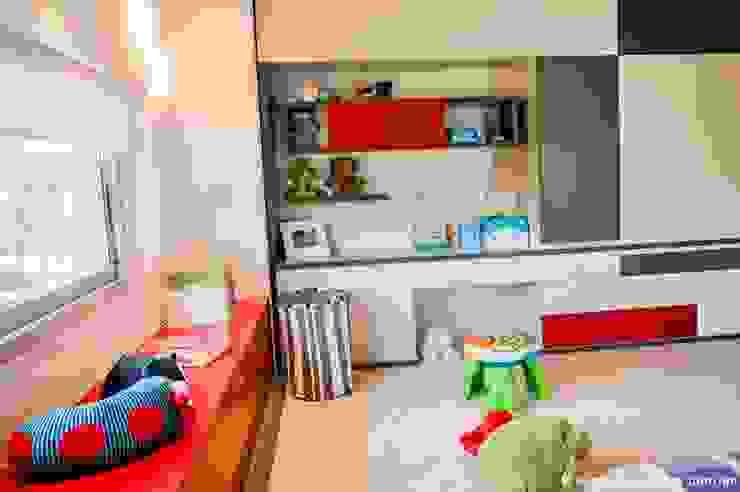 Vivienda en Grand Bell Dormitorios infantiles modernos: de AMADO arquitectos Moderno