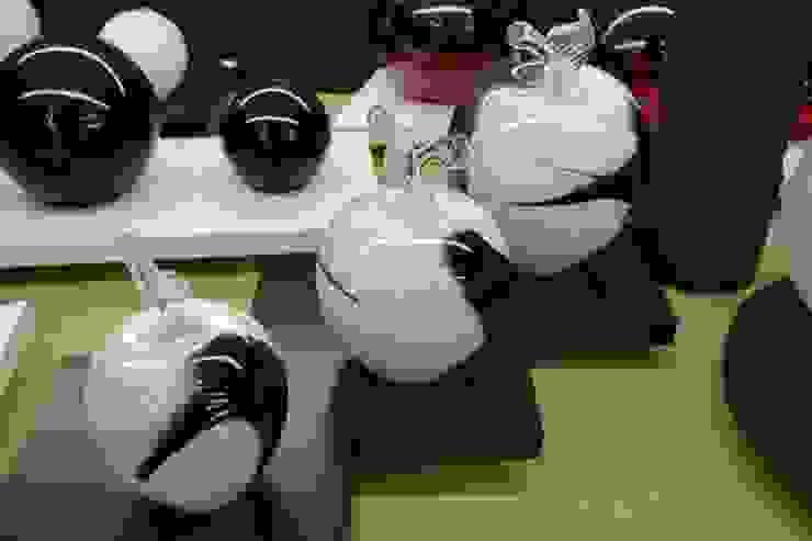 Manzanas y Globos de vidrio de ARKEDECO S.A. Moderno
