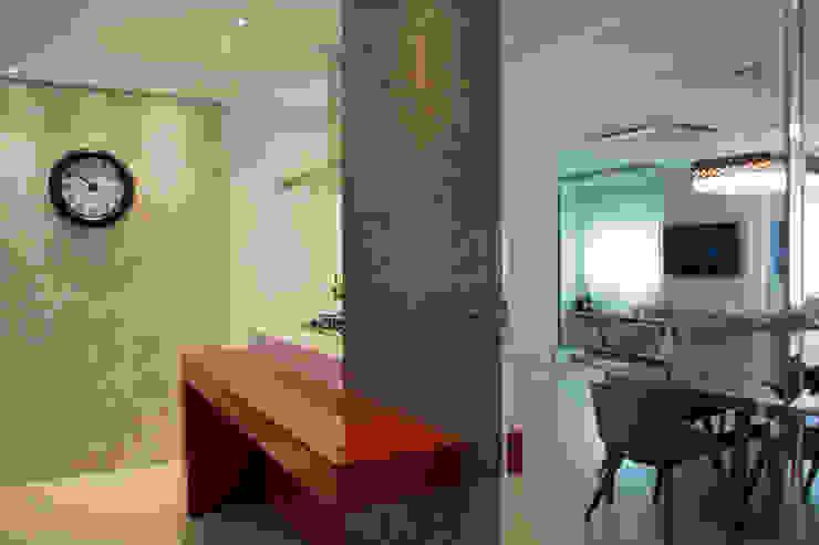 BOHRER HOUSE Cozinhas modernas por ARQ Ana Lore Burliga Miranda Moderno Azulejo